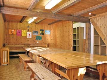 Hüttenstube in der Skihütte Zinal